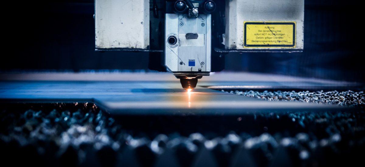 Servicios de impresión digital y grabado láser
